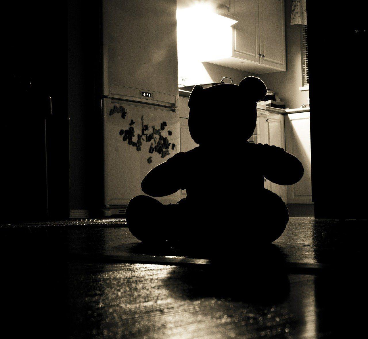 ReConstruir - Psicologia & Desenvolvimento Pessoal - Abuso Sexual e Pedofilia: Da Compreensão à Intervenção